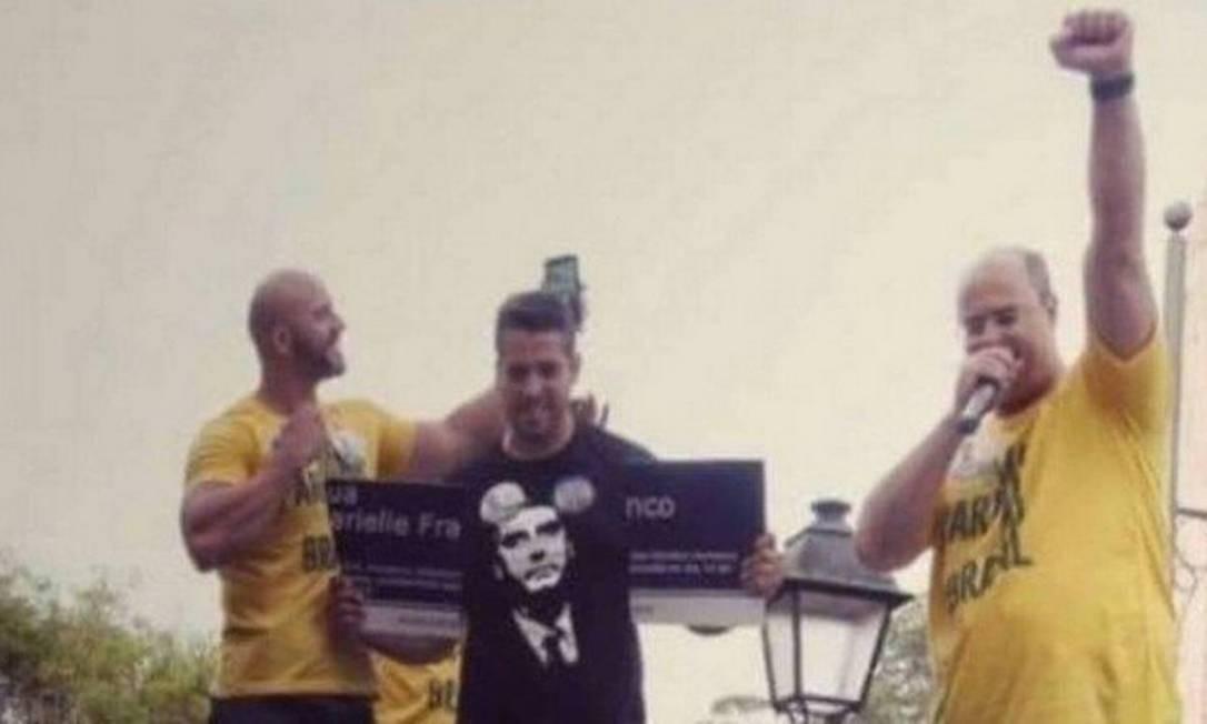 Daniel Silveira, Rodrigo Amorim e Wilson Witzel durante ato de campanha em Petrópolis Foto: Reprodução