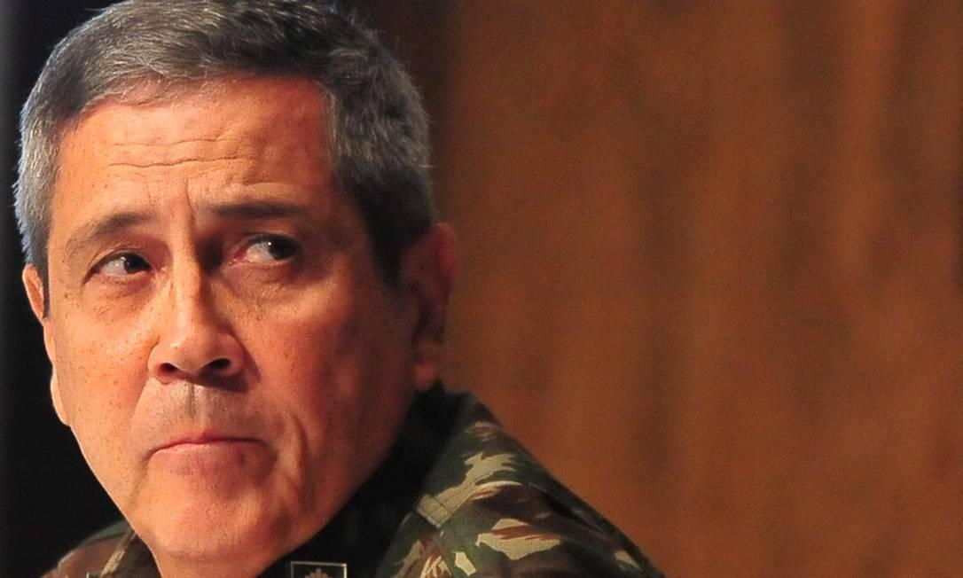 Em 31 de agosto, foi a vez do general Braga Netto, então interventor federal na área de segurança no Rio, fazer suas afirmativas: 'Estamos perto. Até o fim do ano, quando a intervenção tiver sido concluída, o caso já deverá estar solucionado', prometeu Foto: Armando Paiva / Raw Image