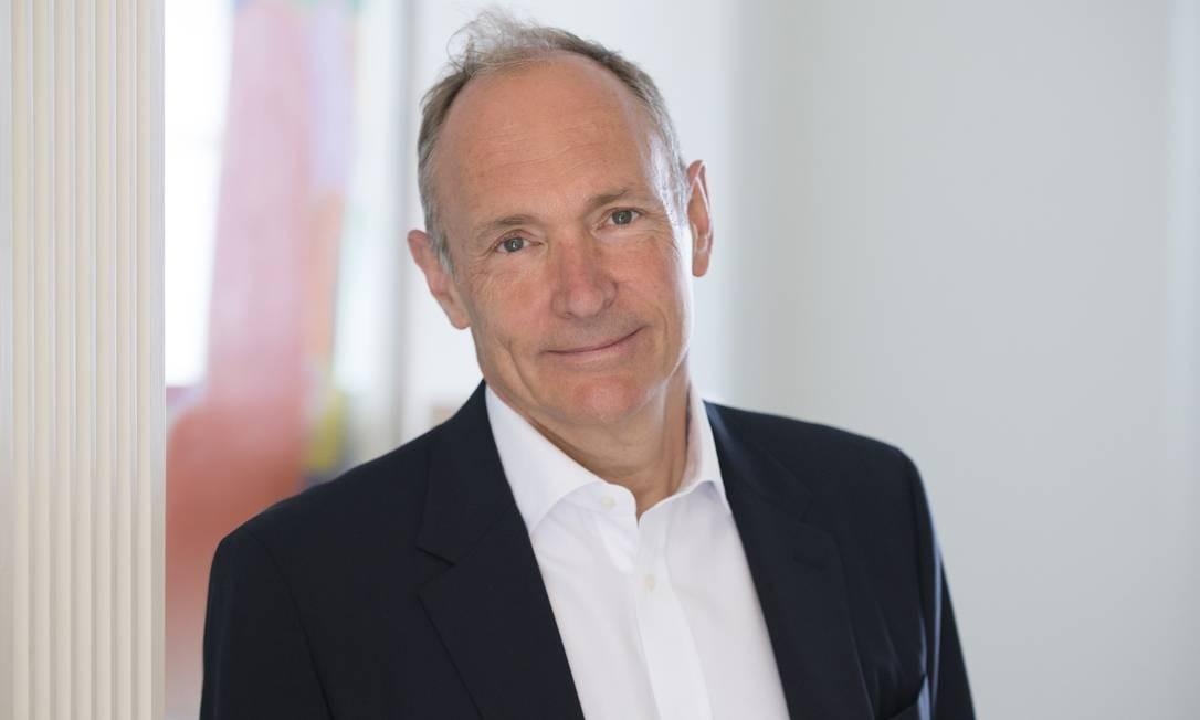 Tim Berners-Lee criou a World Wide Web pensando num sistema para a comunicação entre cientistas Foto: Henry Thomas. / Web Foundation