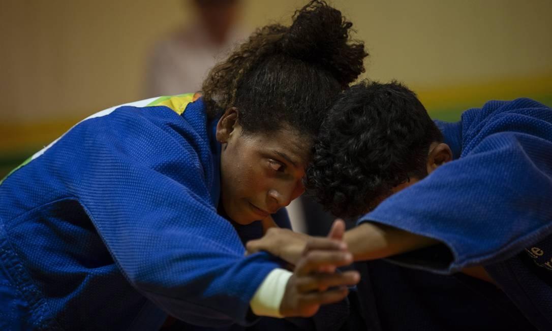 Ouro na Rio-2016, Rafaela Silva está em sétimo no ranking mundial e segue como um nome forte no judô Foto: Alexandre Cassiano / Agência O Globo