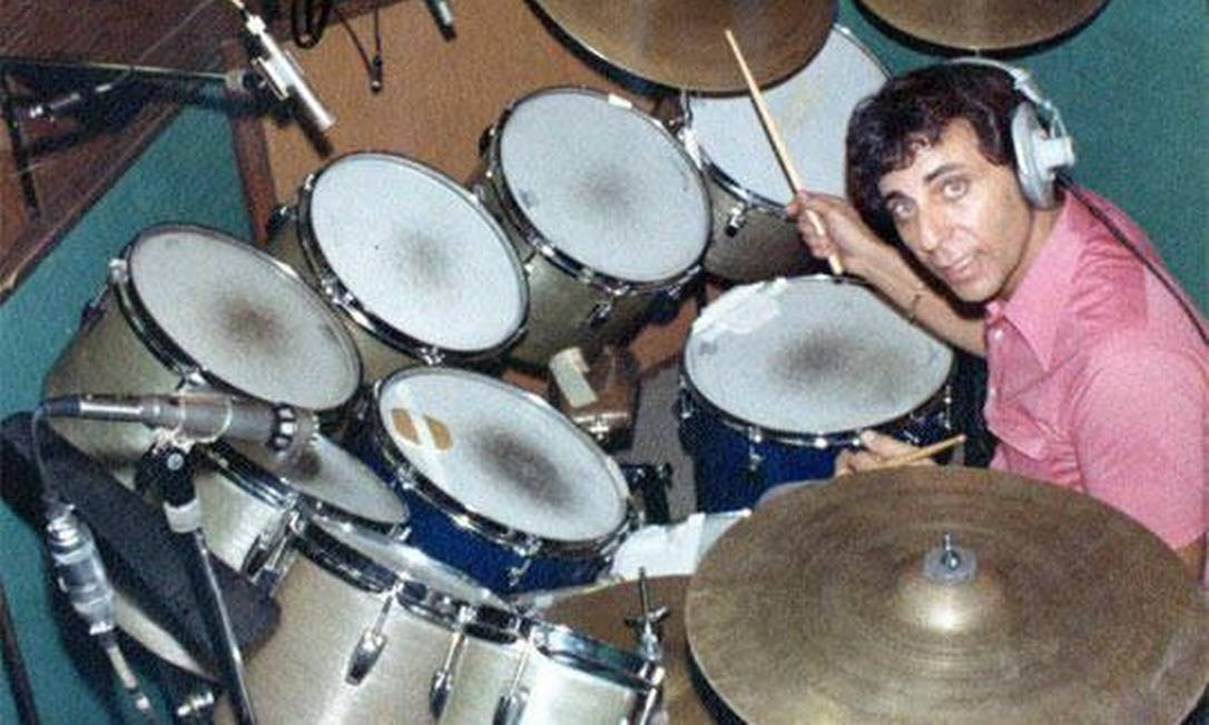 O baterista Hal Blaine: músico tocou com Elvis e Sinatra Foto: Reprodução/Facebook