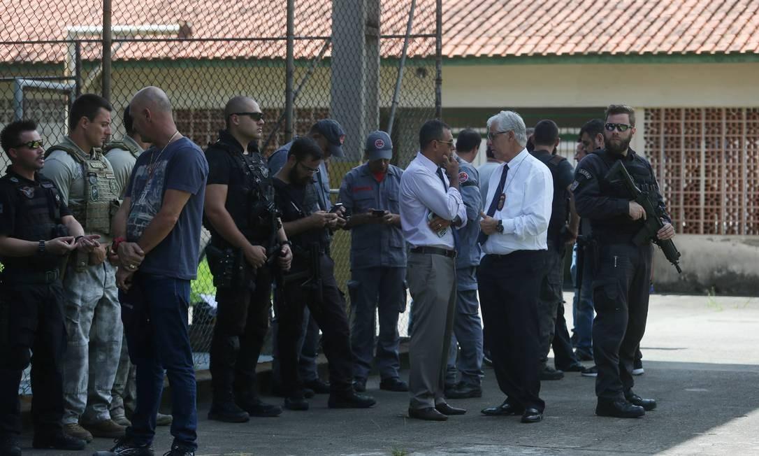 Policiais na Escola Estadual Raul Brasil, em Suzano, São Paulo, após ataque a tiros no colégio Foto: Amanda Perobelli / REUTERS