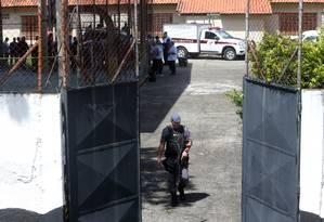 Instituto Médico Legal recolhe corpos de vítimas do ataque na escola Raul Brasil, em Suzano (SP) Foto: AMANDA PEROBELLI / REUTERS