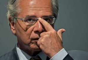 O ministro da Economia, Paulo Guedes, esteve nesta segunda-feira reunido com prefeitos Foto: Carl de Souza / AFP