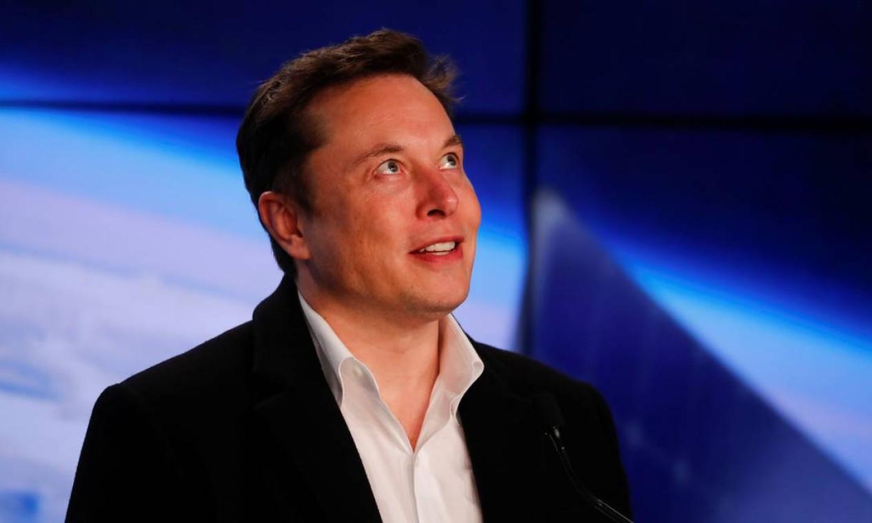 Elon Reeve Musk, de 48 anos, fundador e CEO da SpaceX e da Tesla Motors, entre outras empresas. Com patrimônio pessoal estimado em cerca de 188,5 bilhões de dólares, tornou-se, em janeiro de 2021, a pessoa mais rica do mundo, de acordo com a Bloomberg, ultrapassando o empresário Jeff Bezos. Já na lista da Forbes, Musk ocupa o segundo lugar Foto: MIKE BLAKE / REUTERS