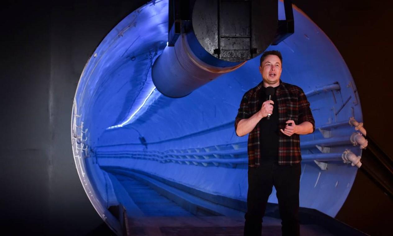 Planos futuristas: empresário vem apresentando projeto de construção de túneis para transporte subterrâneo em alta velocidade. Foto: ROBYN BECK / AFP