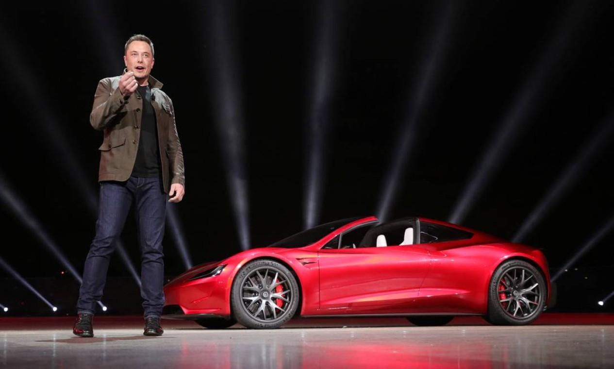 Elon Musk, apresentando o Roadster 2 em Hawthorne, Califórnia, em 2017 Foto: Reuters