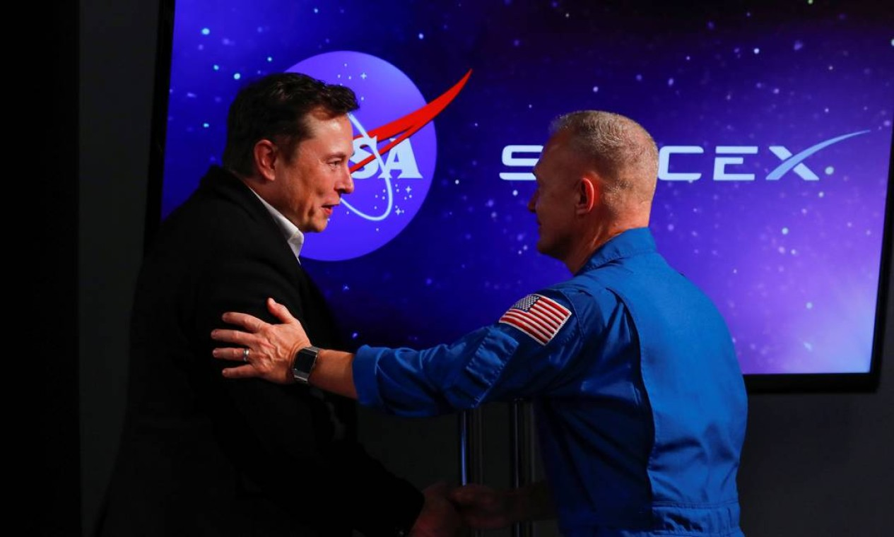 Em janeiro de 2011, a SpaceX tornou-se a primeira empresa no mundo a vender um voo comercial à Lua. No entanto, a missão, marcada para 2013, não aconteceu Foto: MIKE BLAKE / REUTERS