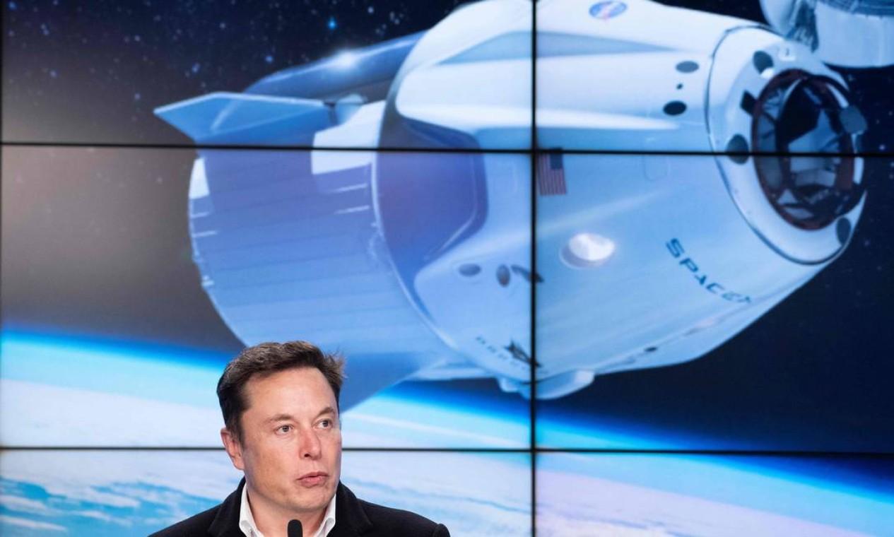 Musk, em suas declarações públicas, já deixou claro sua preocupação com a extinção da humanidade. Exatamente por isso, suas empresas se voltam para a redução do aquecimento global através do uso de energias renováveis, um projeto multiplanetário, o que inclui viagens turísticas ao espaço, a colonização de Marte e o desenvolvimento seguro da inteligência artificial Foto: JIM WATSON / AFP