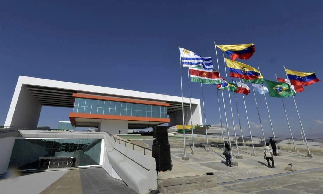 A sede da Unasul nos arredores de Quito: organismo está paralisado e perdendo integrantes, o que levou presidente do Equador a anunciar a retirada de seu país e pedir a devolução do prédio Foto: Dovulgação