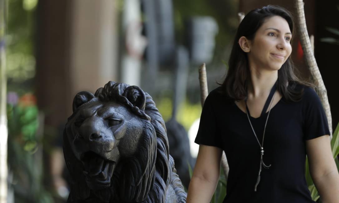 O leão de bronze é uma das marcas do hotel Foto: Gabriel de Paiva / Agência O Globo