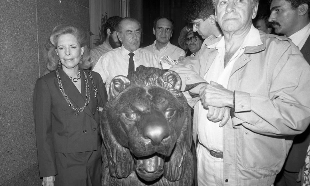 Leonel Brizola chega ao Hotel Novo Mundo para se encontrar com o então candidato à presidência Luiz Inácio Lula da Silva em 08/12/1989 Foto: Custódio Coimbra / Agência O Globo