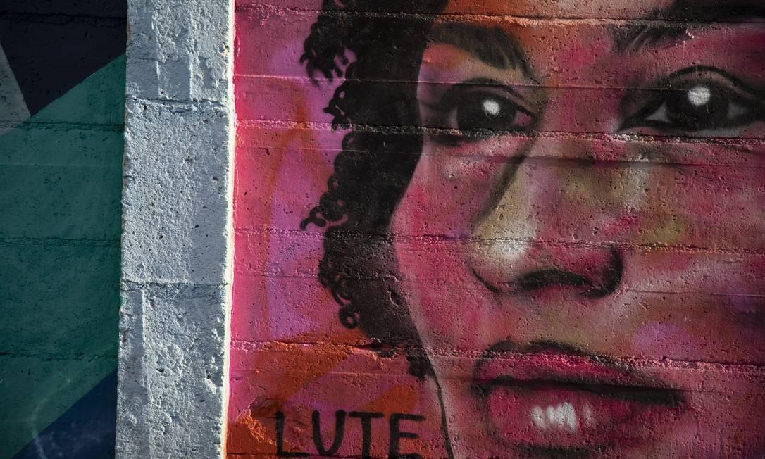 Grafite da vereadora Marielle Franco na comunidade Tavares Bastos, no Catete Foto: GABRIEL MONTEIRO / Agência O Globo