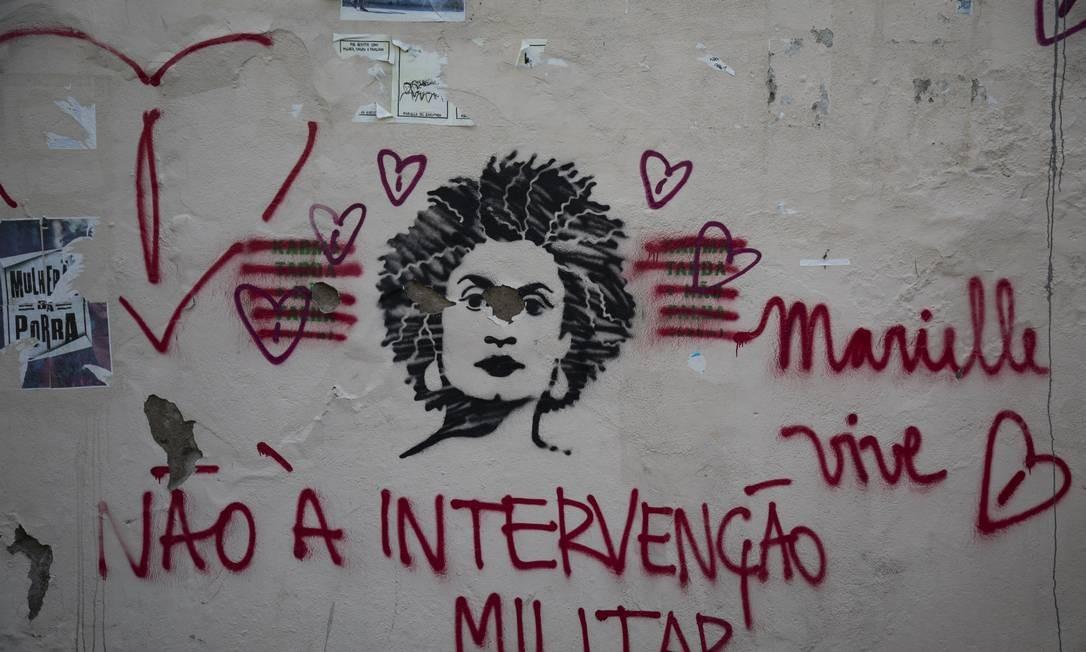 Marielle Franco é retratada em muro da Rua do Catete, zona sul do Rio Foto: GABRIEL MONTEIRO / Agência O Globo