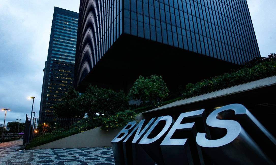Prédio do BNDES no Centro do Rio Foto: Pedro Teixeira / Agência O Globo