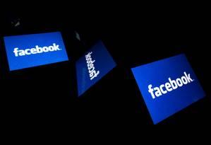 É preciso ter cuidado ao usar as redes sociais. Foto: LIONEL BONAVENTURE / AFP