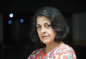 Vilma Muniz contratou um combo NET/Claro e teve problemas com o celular, não conseguindo cancelar a portabilidade. Foto: Adriana Lorete / Agência O Globo