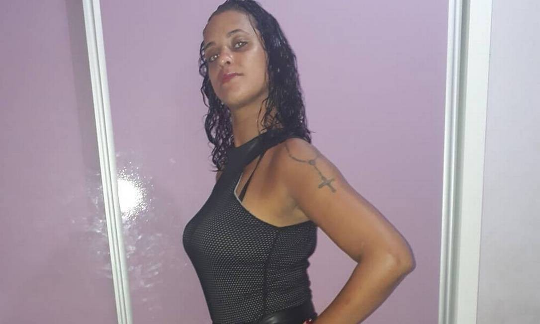 Camila foi encontrada morta dentro de casa, na Zona Oeste do Rio Foto: Reprodução /Facebook
