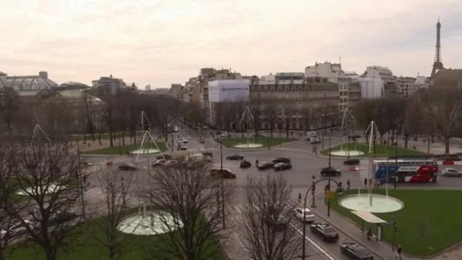 Fontes luminosas na Champs-Elysées, em Paris Foto: Reprodução