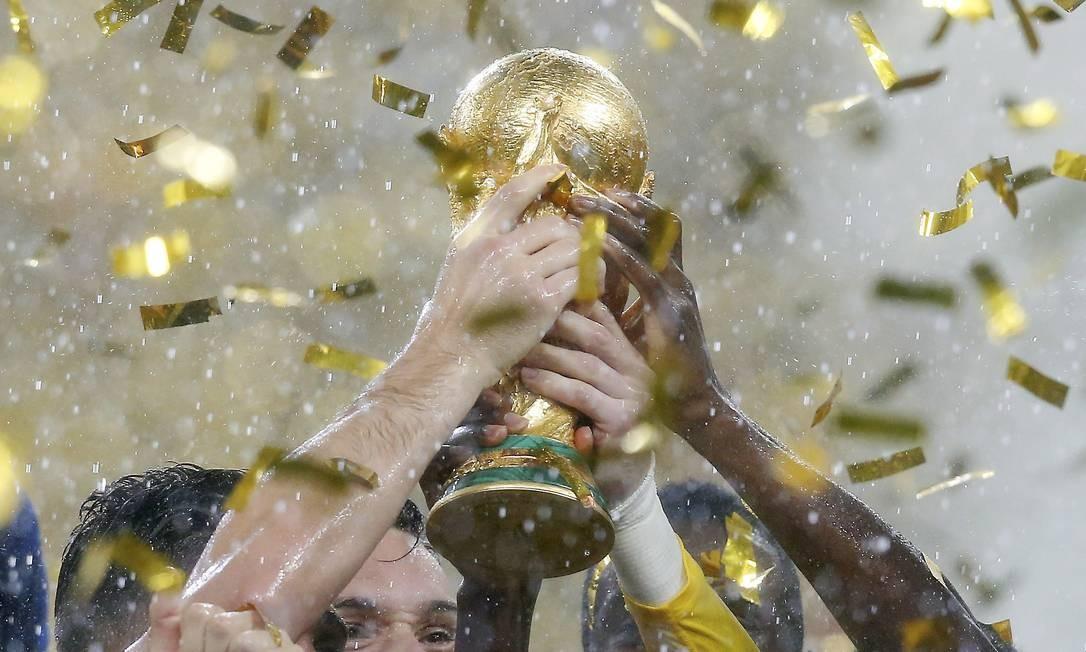 Copa do Mundo nas mãos dos franceses Foto: Marcelo Theobald / Agência O Globo