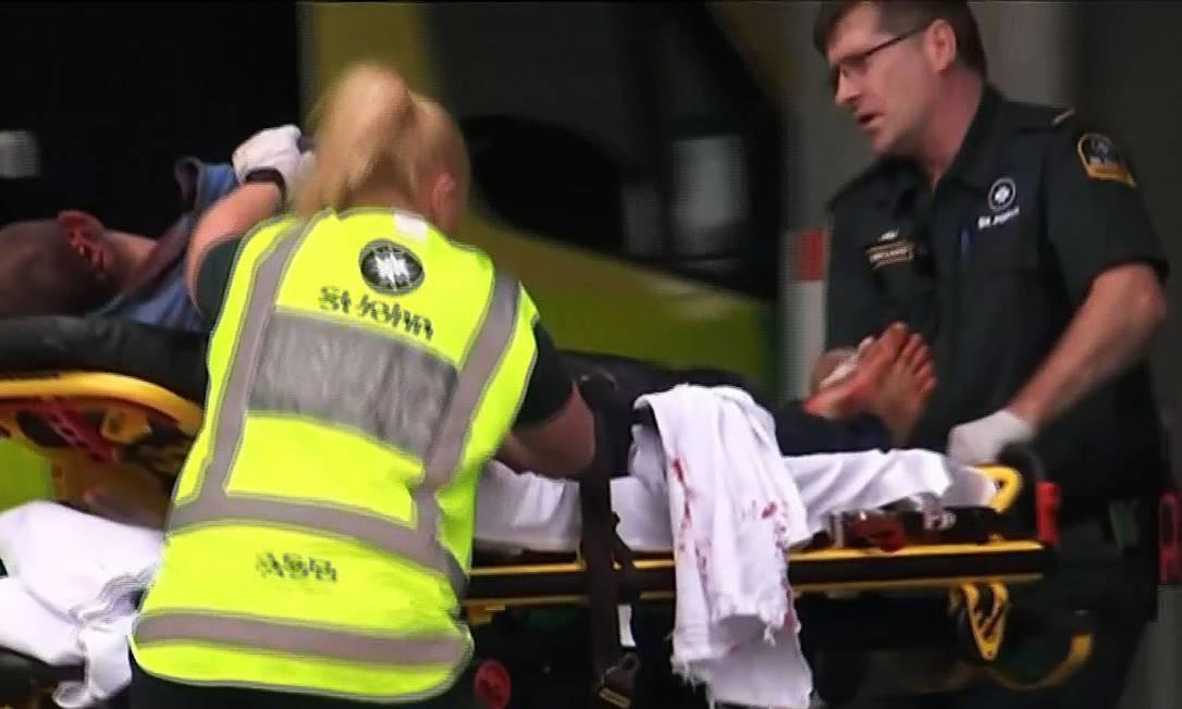 Mais de 20 pessoas ficaram feridas em ataque mesquita de Christchurch, na Nova Zelândia Foto: TV NEW ZEALAND / AFP