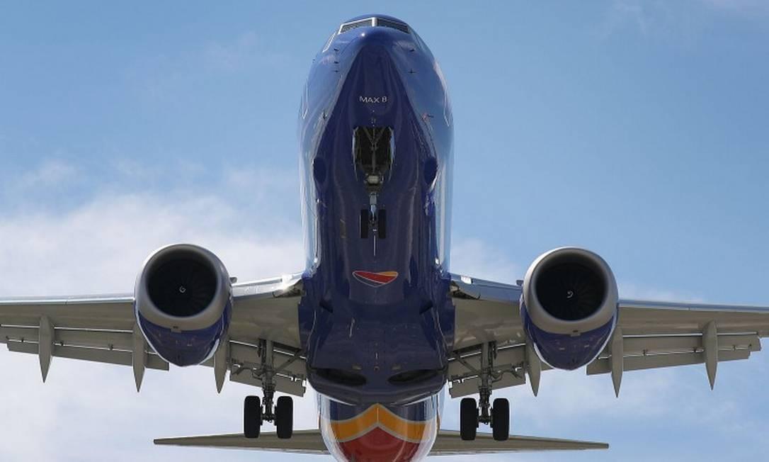 Na foto, um Boeing 737 Max 8 se prepara para aterrissar Foto: JOE RAEDLE / AFP