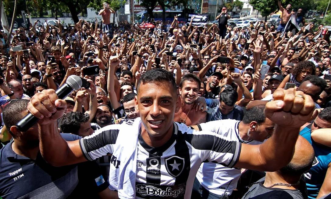 Diego Souza já pode estrear pelo Botafogo Foto: Vitor Silva/SSPress/Botafogo