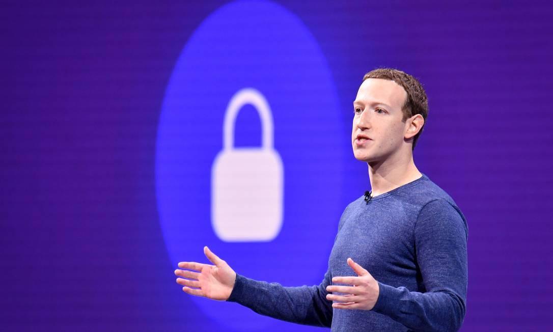 Mudanças anunciadas por Zuckerberg levaram à demissão de dois diretores do Facebook. Foto: JOSH EDELSON / AFP