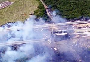 A plataforma de lançamento destruída, em outubro de 2003, quando fracassou o segundo teste do Veículo de Lançamento de Satélites brasileiro Foto: FAB/Divulgação