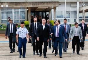 Jair Bolsonaro deixa o Palácio do Planalto, na manhã deste domingo, e segue para a base aérea Foto: Alan Santos/Presidência da República