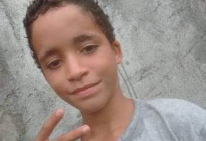 Kauan, de 12 anos, foi morto na noite de sábado quando saiu de casa para comprar comida Foto: Facebook / Reprodução