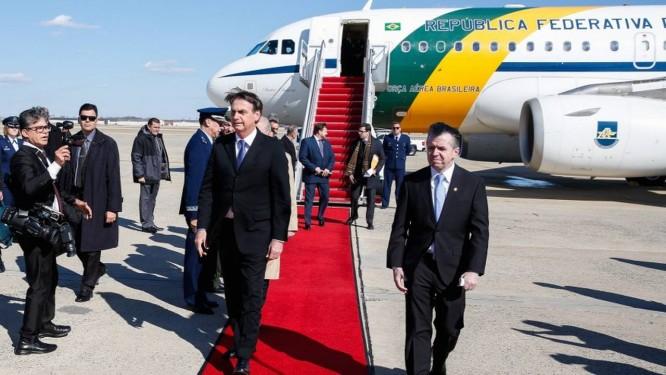 Resultado de imagem para Bolsonaro chega aos EUA para encontro com Trump