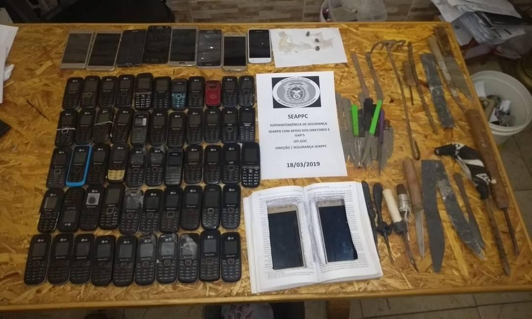 O material apreendido na operação desta segunda-feira Foto: Seap / Divulgação