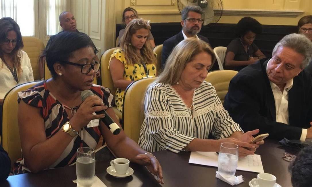 Márcia Nunes (à esquerda) é ouvida em CPI do Sisreg, ao lado dos vereadores Rosa Fernandes e Paulo Pinheiro em 19/03/2019 Foto: Paulo Cappelli