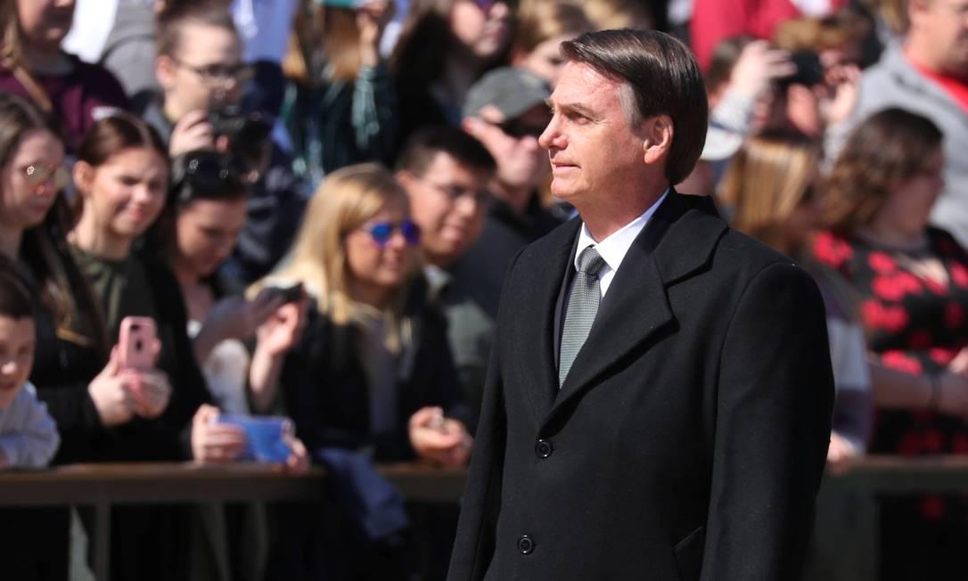 Jair Bolsonaro durante cerimônia no Cemitério Nacional de Arlington Foto: JONATHAN ERNST / REUTERS