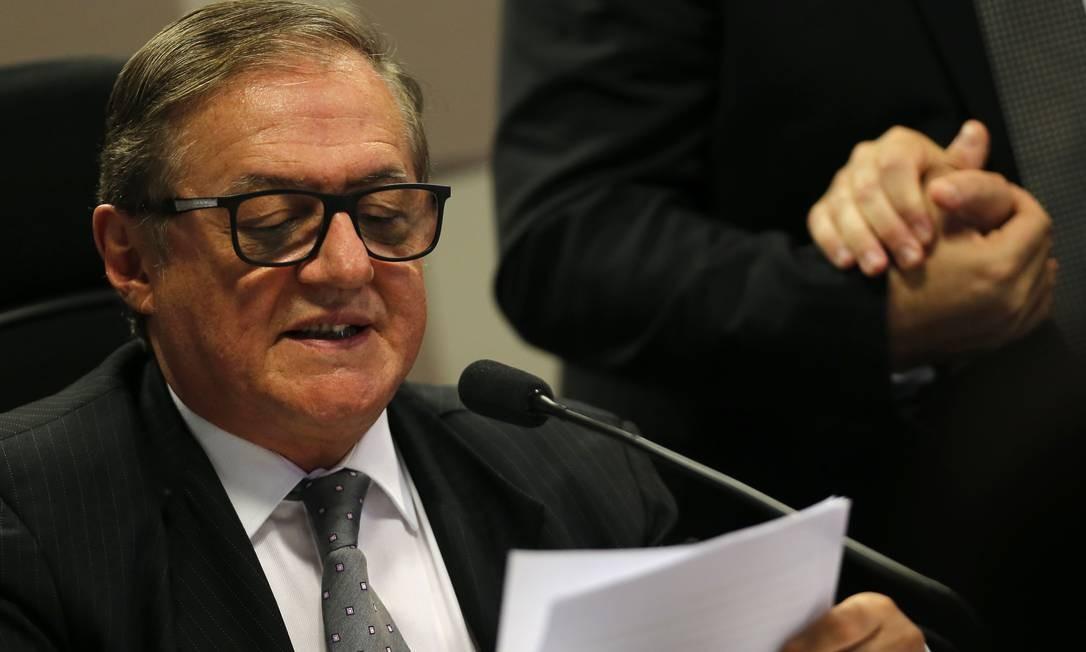 Vélez ouvirá palpites sobre projetos do ministério Foto: Jorge William / Agência O Globo