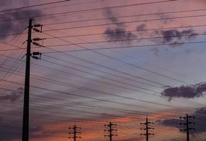 Torres de transmissão de energia em Brasilia: dívida revista. Foto: Daniel Marenco / Agência O Globo