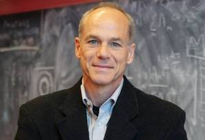 O cientista carioca Marcelo Gleiser, professor de Física e Astronomia que ocupa a cátedra Appleton de Filosofia Natural no Dartmouth College, em Hanover, nos EUA Foto: Divulgação