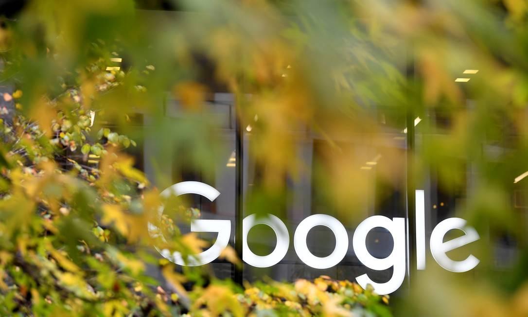 Em apenas dois anos, a Alphabet, controladora do Google, recebeu três multas bilionárias da Comissão Europeia Foto: Toby Melville / Reuters