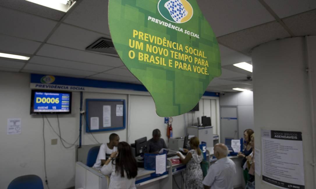 Além de mexer nas aposentadorias, a reforma prevê mudanças em pensões e outros benefícios, como o BPC, voltado para idosos de baixa renda Foto: Márcia Foletto / Agência O Globo