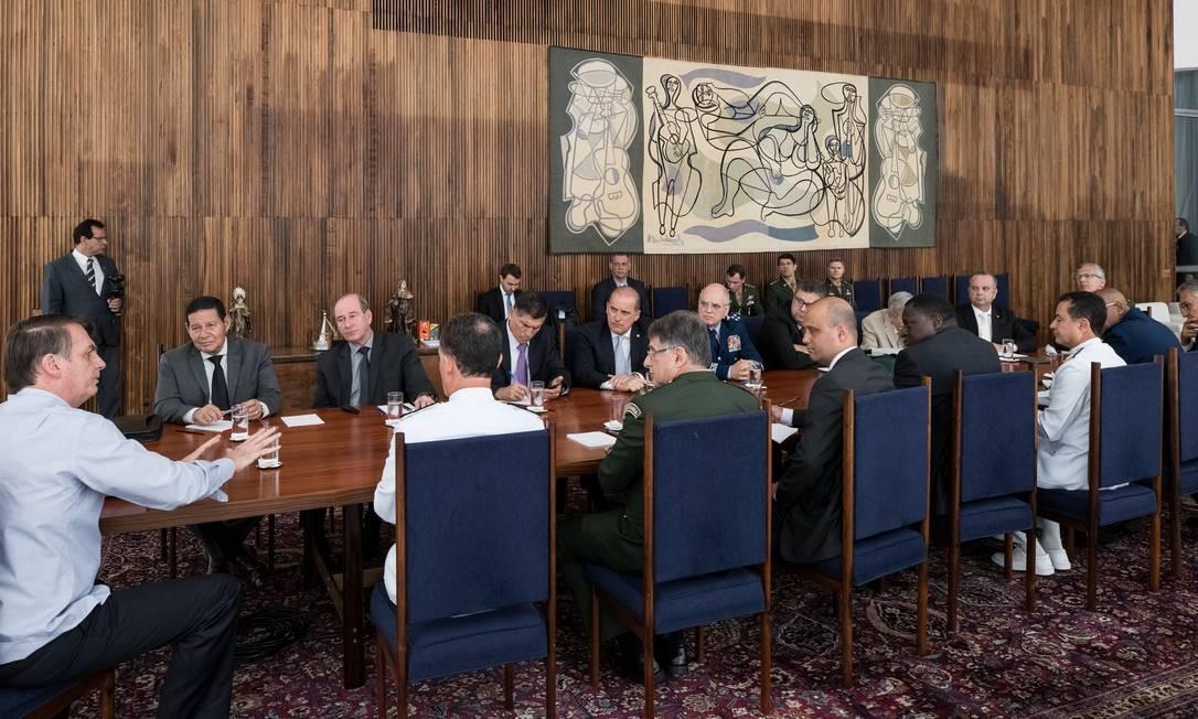 O presidente Jair Bolsonaro durante reunião sobre a proposta da Previdência dos militares Foto: Divulgação/PR
