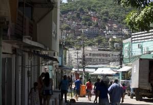 Comunidade Bateau Mouche é um dos palcos do confronto Foto: Márcia Foletto / Agência O Globo