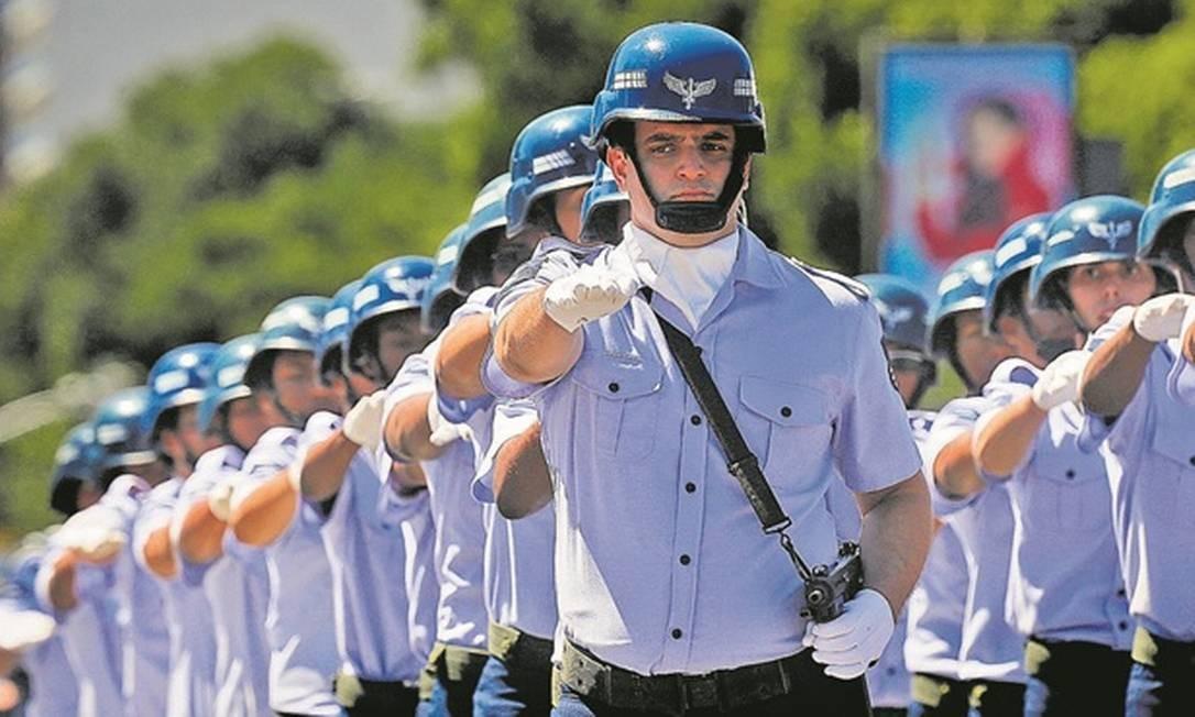 Militares foram incluídos na reforma da Previdência Foto: Pablo Jacob