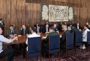Reunião no Palácio da Alvorada para discutir reforma da Previdência dos militares Foto: Marcos Corrêa/Presidência