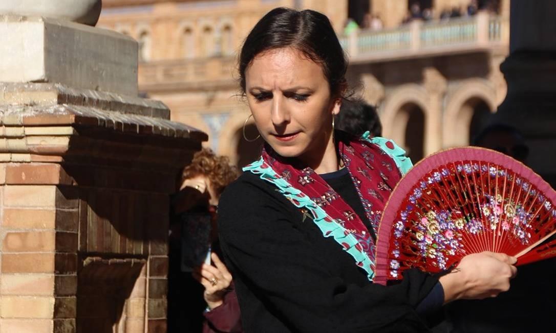 Bailarina de flamenco se apresenta na Plaza de España: estilo nascido em Sevilha é orgulho nacional Foto: Eduardo Maia / O Globo