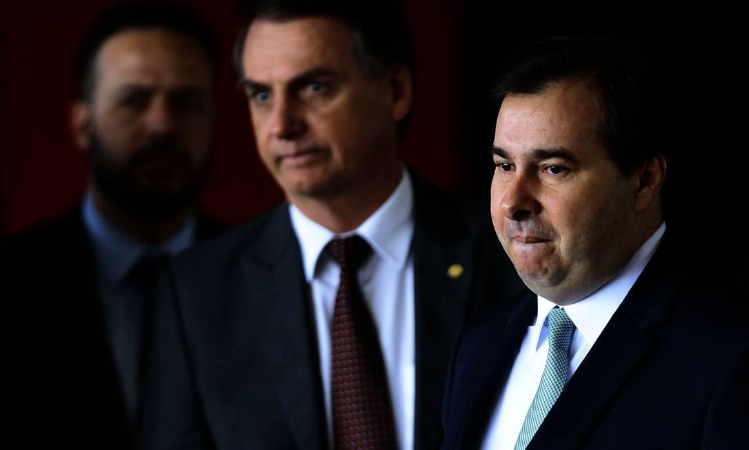 O presidente Jair Bolsonaro e o presidente da Câmara Rodrigo Maia Foto: Jorge William / Agência O Globo