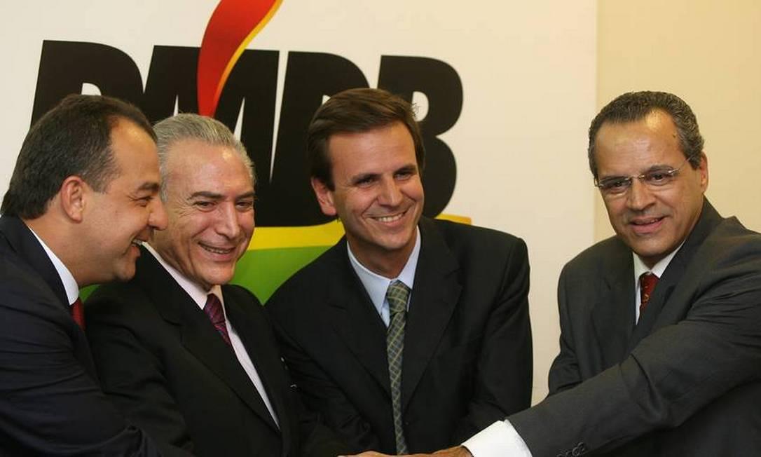 Em 2008, o governador do Rio Sérgio Cabral, o deputado Michel Temer, o prefeito Eduardo Paes e o deputado Henrique Alves Foto: Gustavo Miranda / Agência O Globo