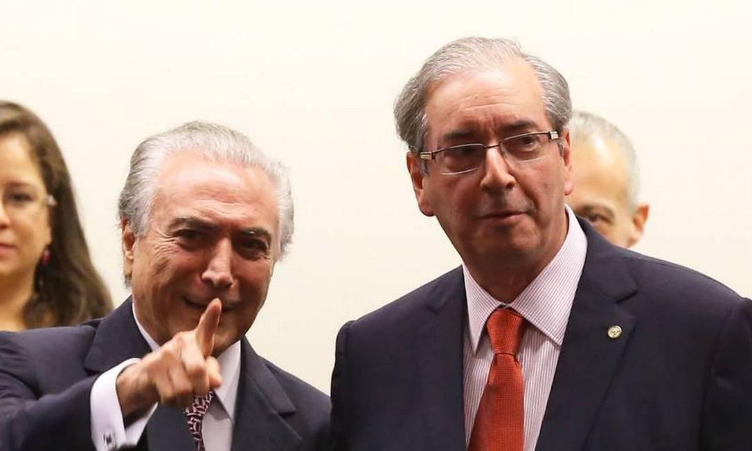 Em 2015, o vice-presidente Michel Temer com o presidente da Câmara dos Deputados, Eduardo Cunha Foto: Ailton de Freitas / Agência O Globo