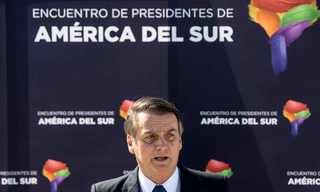 O presidente Jair Bolsonaro em viagem ao Chile Foto: MARTIN BERNETTI / AFP