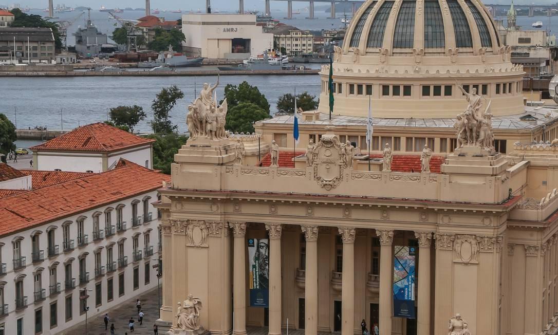 Palácio Tiradentes, no Centro, sede da Assembleia Legislativa do Rio Foto: Marcelo Régua / Agência O Globo